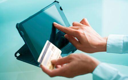 Неправомерное списание денежных средств службой судебных приставов. Куда обращаться за помощью? Как вернуть, то что забрали не правомерно?