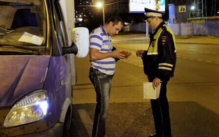 Законно ли требование инспектора ГИБДД выйти из машины?