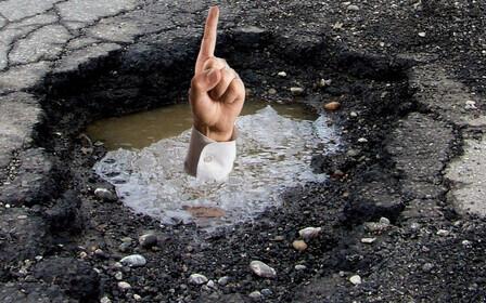 Разбитые дороги: провалы в асфальте, не соответствующие стандартам