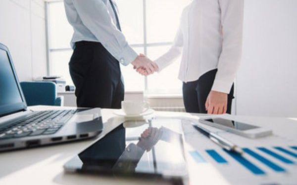 Статья 432 ГК РФ определяет, каким образом заключающие договор стороны приходят к соглашению и какие существенные условия