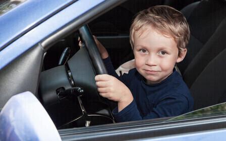 Несовершеннолетний без прав за рулём какой штраф и что ещё грозит
