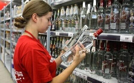 С какого возраста можно продавать алкоголь официально