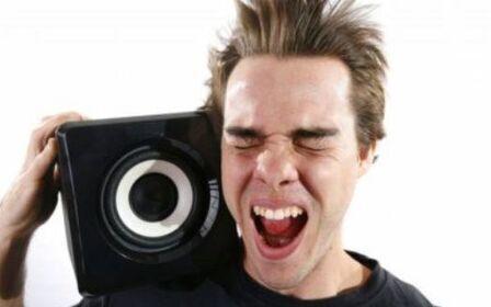 Можно ли громко слушать музыку днем