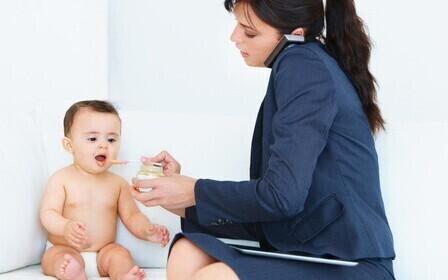 Сокращение женщины с ребенком