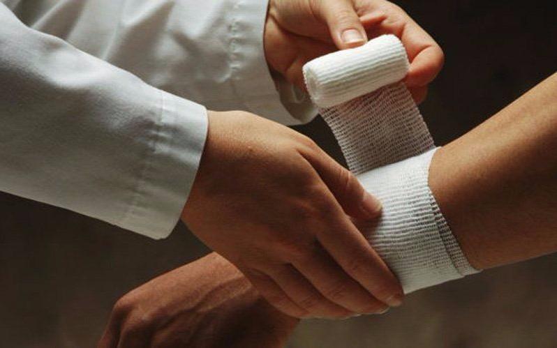 Что такое производственная травма. Кто оплачивает лечение производственной травмы? Как добиться положенных выплат в результате получения