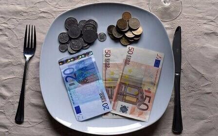 Деньги на блюдечке