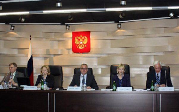 Статья 49 АПК РФ определяет, какие действия истца и ответчика по сути дела допускаются при его разборе в суде