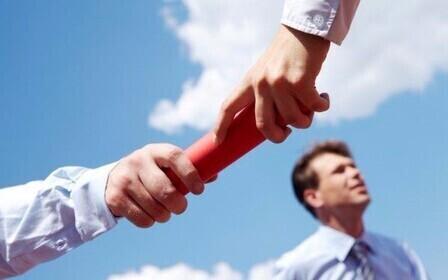 Статья 382 ГК РФ устанавливает порядок действий на тот случай, если кредитор захочет передать свои требования к должнику третьему лицу
