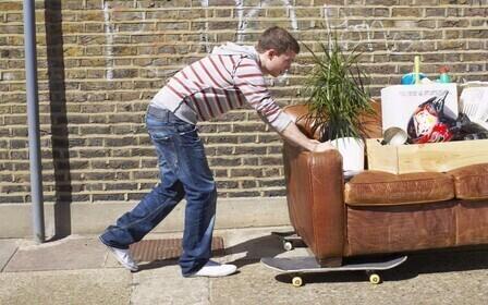 Как выселить из квартиры продавца