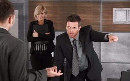 Что делать если угрожают на работе