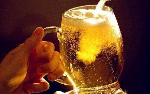 Новый закон о пиве 2016 года коснется всех участников рынка: поставщиков, продавцов и косвенно любителей пенного напитка.