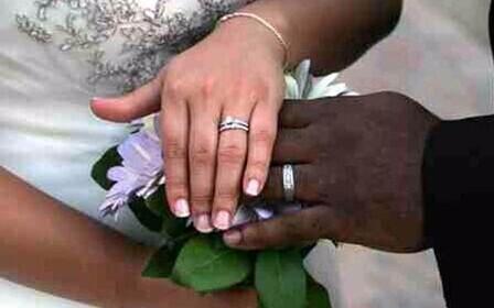Законами РФ правовые аспекты брака с иностранцем ни как не отличаются от брака с гражданином РФ.
